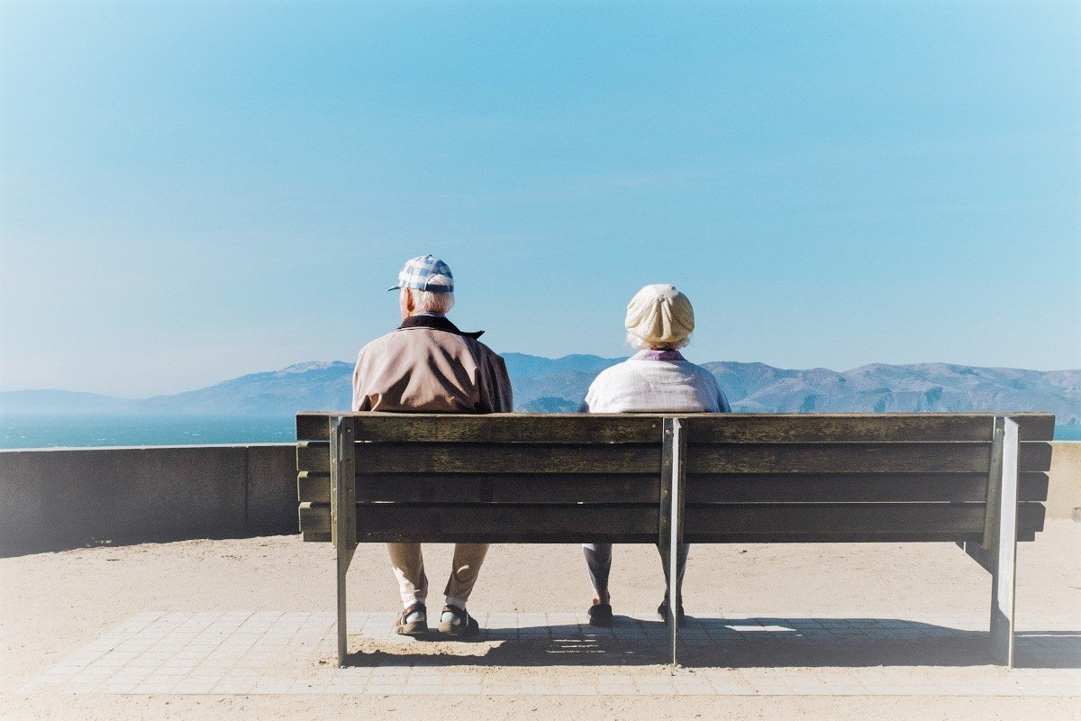 Aging: The Changes People Go Through and Some Important Tips to Handle It