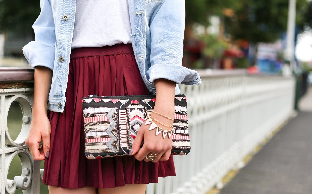 6 FASHION ITEMS EVERY GIRL SHOULD OWN